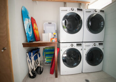 Anna-Maria-Island-Harbor-Lane-Court-Rental-laundry-room