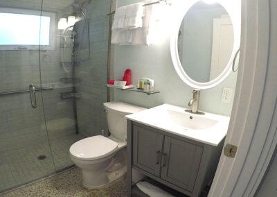 Unit-4-Master-bedroom-bath
